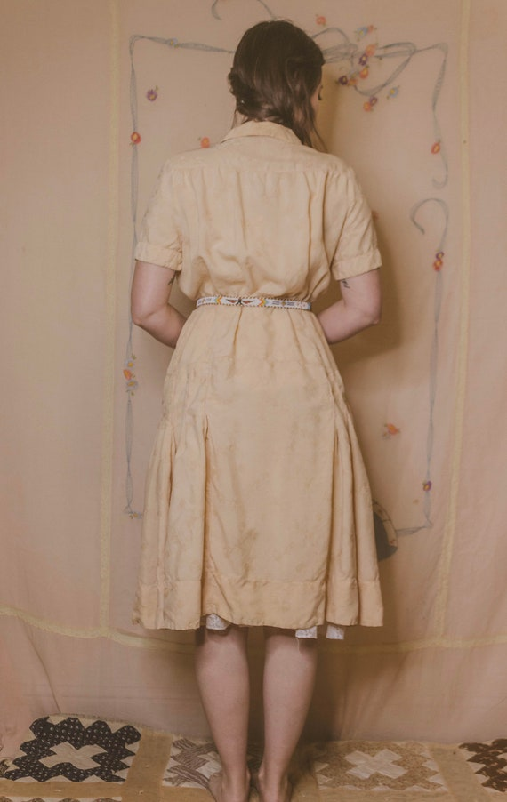 Early 1940's rayon dress with faux pockets - image 4
