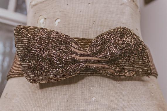 1940's Beautiful Beaded Bow Belt - image 5