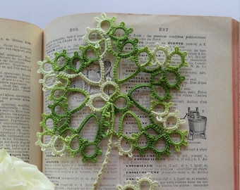 Tatted Lace Variegated Green Leaf Shaped Bookmark - Napoli