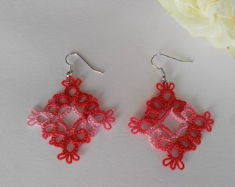 Tatted Lace Variegated Red Earrings - Diamond shape - Vanessa