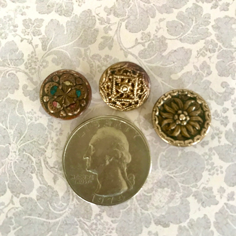 Lot of 10 Vintage Metal Buttons