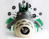 Cat bed, cat cave, cat house Totoro, felted pet bed, Christmas gift for pet, eco-friendly natural wool pet furniture, anime