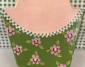 Hand painted necklace display