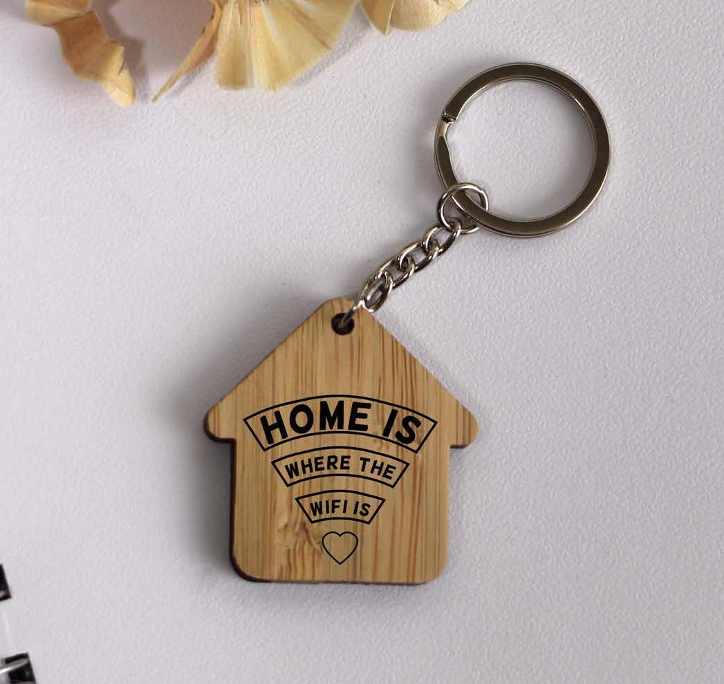 Engraved For You Personalised House Shaped /'New Home/' Keyring