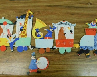 Adorable Vintage Nursery Childrens Room Cardboard Circus Themed Wall Plaques