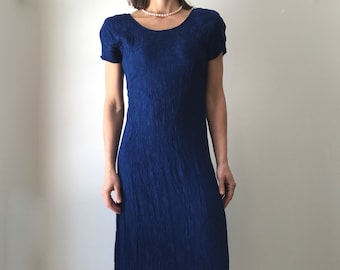 Lovely 'All That Jazz' full length shortsleeve rayon crepe dress, lace up back, 5/6