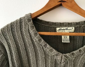 vintage Eddie Bauer wide ribbed cotton v neck sweater in sage green