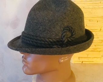e2e8e708268 A very gray vintage hunting Bavarian hat made of woolen felt
