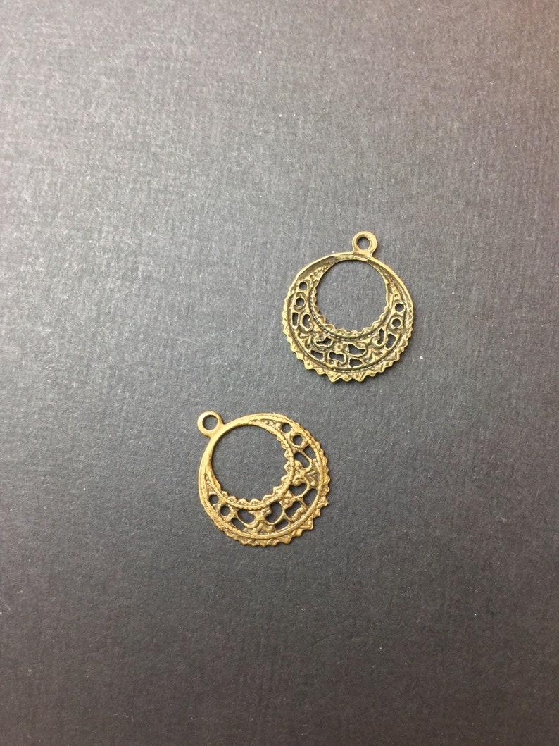 27603-4 Pc Round Dangle Filigree wLoop Brass Jewelry Finding Stamping Brass Ox