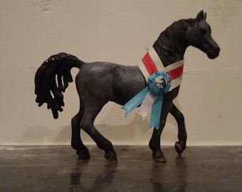 Schleich horse show sash with ribbon