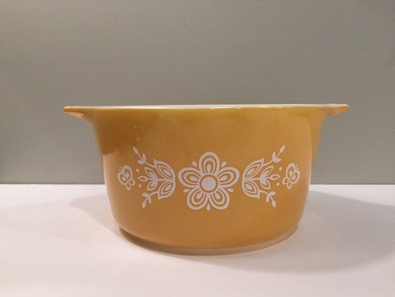 Gold Vintage Pyrex 1Quart Casserole Bowl