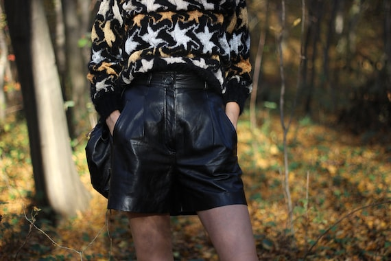 Vintage 90s high waist leather shorts Front pleate