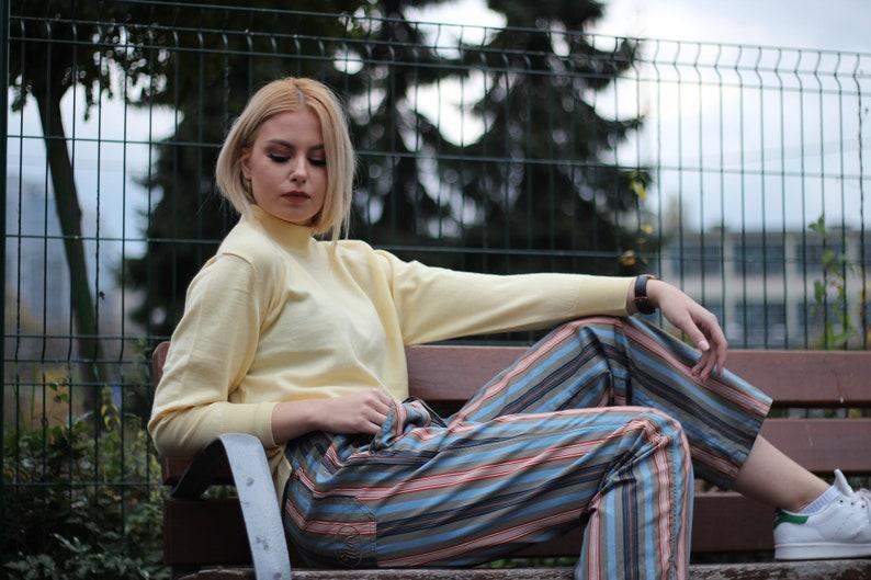 Vintage 90s minimalist wool mockneck pastel yellow color long sleeve pullover Dolman sleeves mockneck Oversized Slouchy
