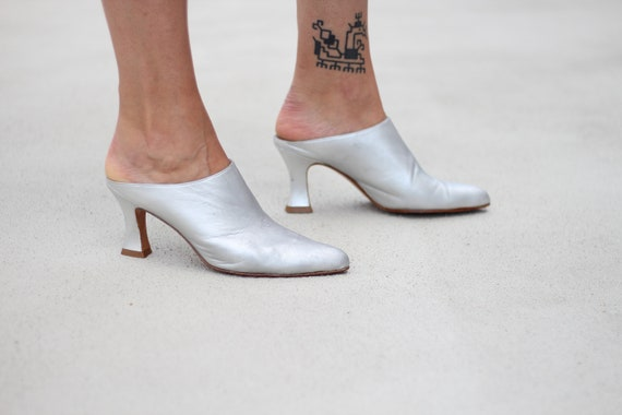 Vintage 80s pointed toe leather silver heeled mule