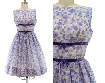 Vintage 1960's Soft Purple Rose Fit & Flare Dress with Velvet Trim / Size S / Small