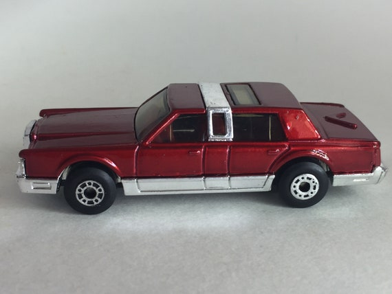 Matchbox No Mb43b Lincoln Town Car In Mint Condition Red Etsy