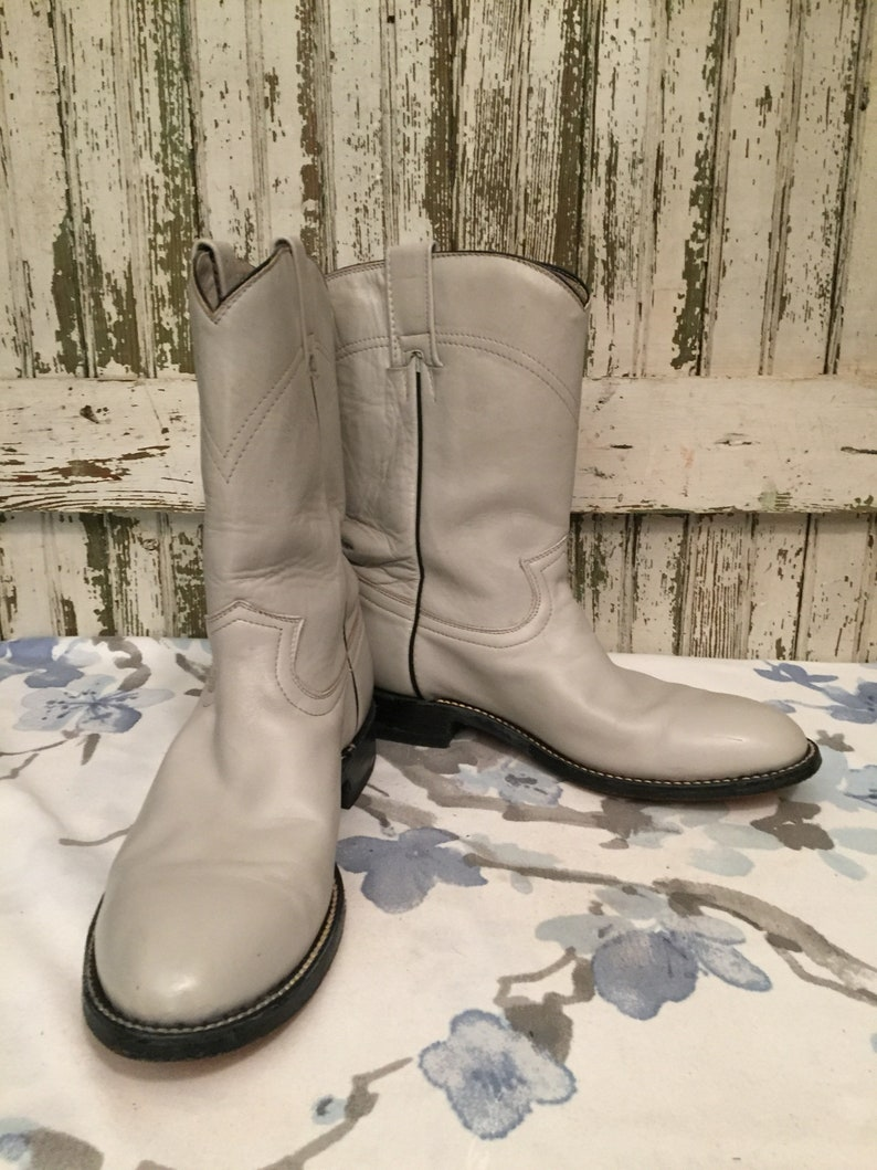 910b988cdf5 Vintage Cowtown Ropers Light Gray mens size 9