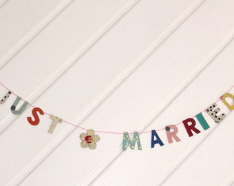 """Garland Natural Paper """"Just Married"""""""