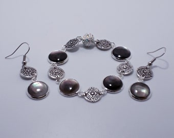 Black Lip Mother of Pearl Bracelet, Mother of Pearl Earrings, Jewellery Set, Magnetic Clasp, Drop Dangle Earrings, Matching Pendants