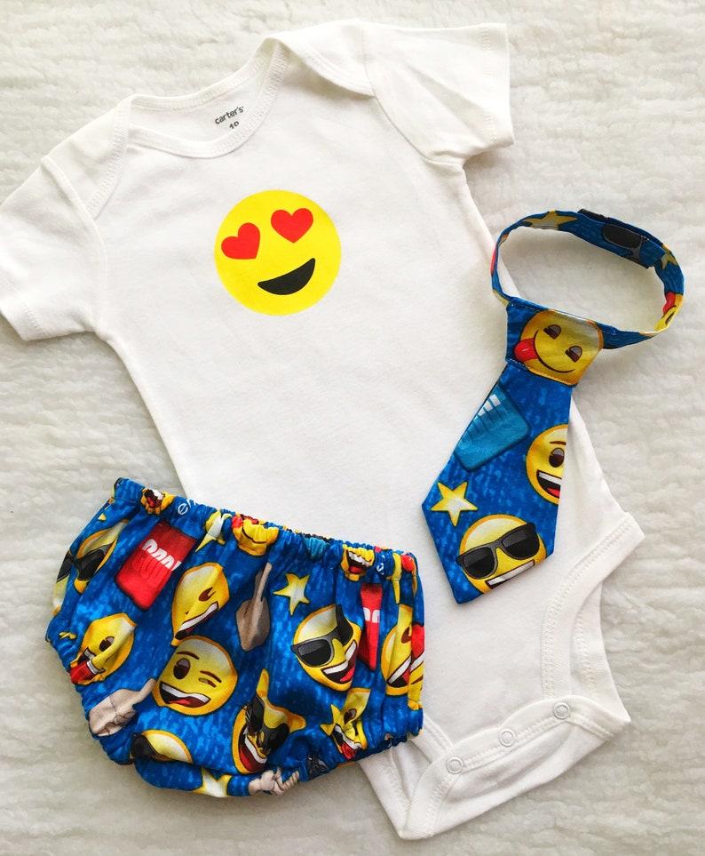 Vêtements emoji | A découvrir sur le blog : keepcoolnewmom.com