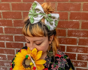 Large hairbow made using original 60s/70s fabric!