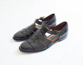 1354d68daf12 black leather fisherman sandals   vintage Cole Haan woven sandals   preppy    closed toes   size 9 slim feet   8.5-9 US