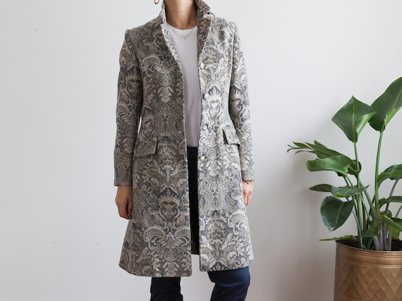 gray canvas blazer coat / patterned paisley floral