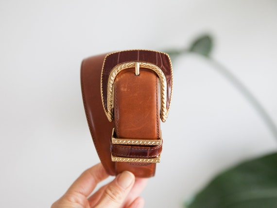 size xs-s / brown statement leather belt / gold bu
