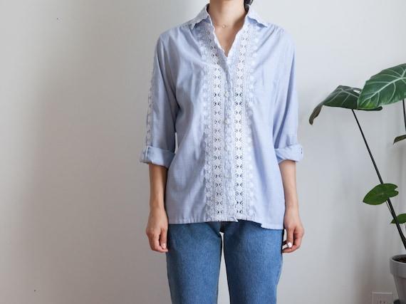blue white eyelet lace blouse / vintage peasant co