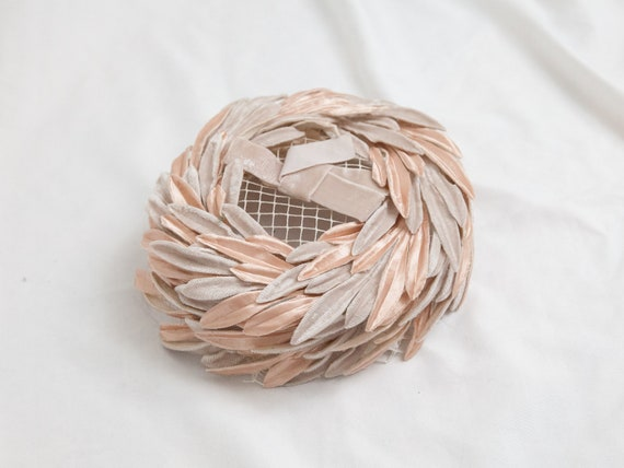 Vintage rose pink hat velvet feathers / millinery