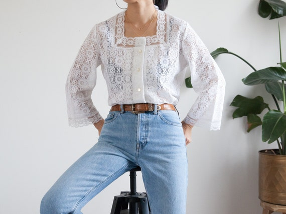 vintage boho white lace blouse / square neck / hip