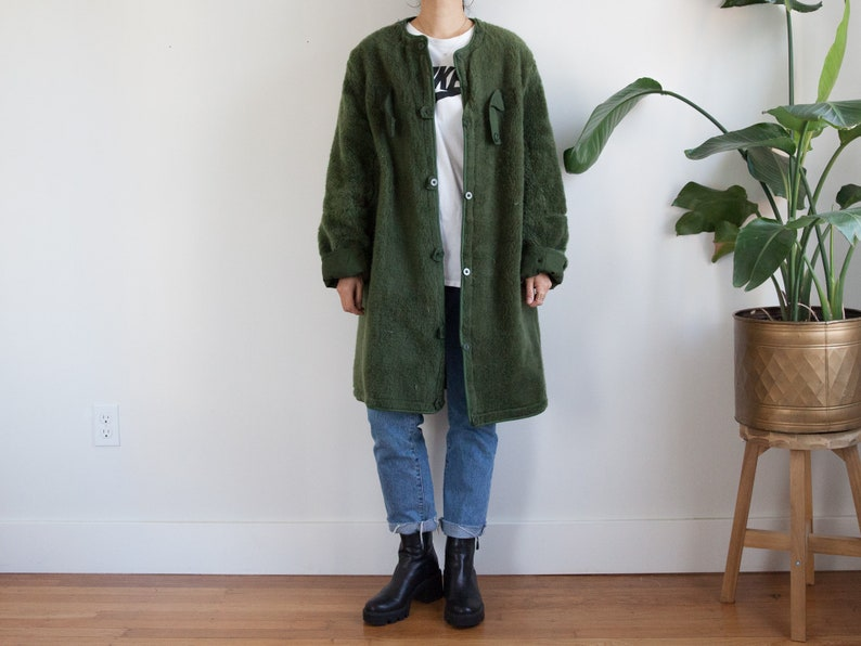 vintage green army liner coat  European liner  fuzzy faux fur lining  reversible  unisex  fits like L-XL