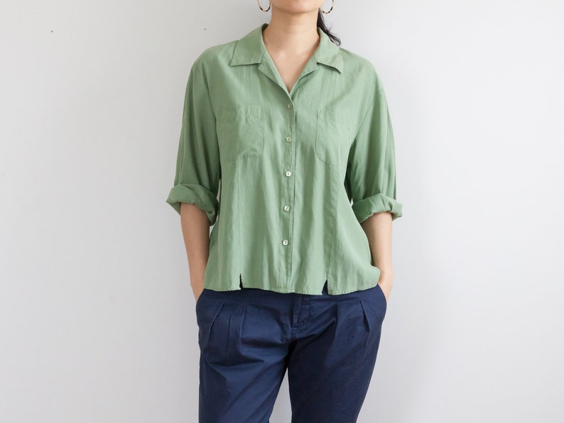 green silk blouse  34 sleeve top  90s loose fit blouse  breast pockets  size xl  fits s-xl