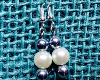 Simply Perfect Glass Pearl Earring