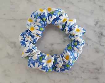 Daisy print hair scrunchie