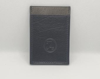 Black and grey vertical card holder The silver fleece