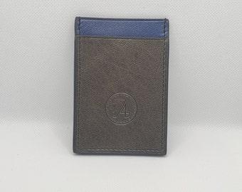 The silver fleece vertical card holder