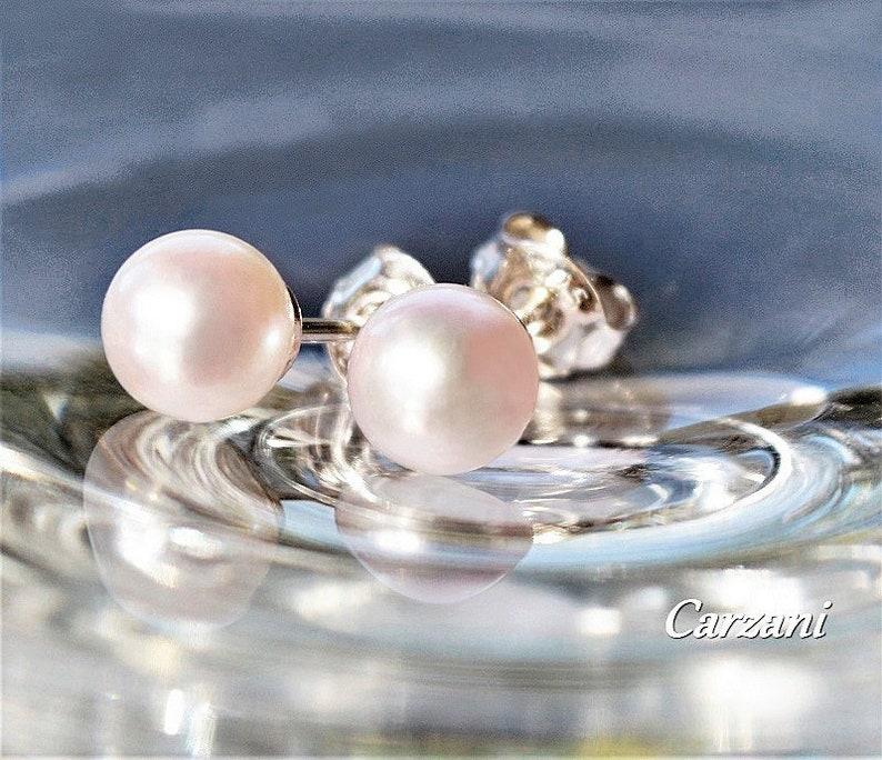 Natural saltwater Akoya pearls Akoya pearls Pearl stud earrings set on sterling silver ear posts