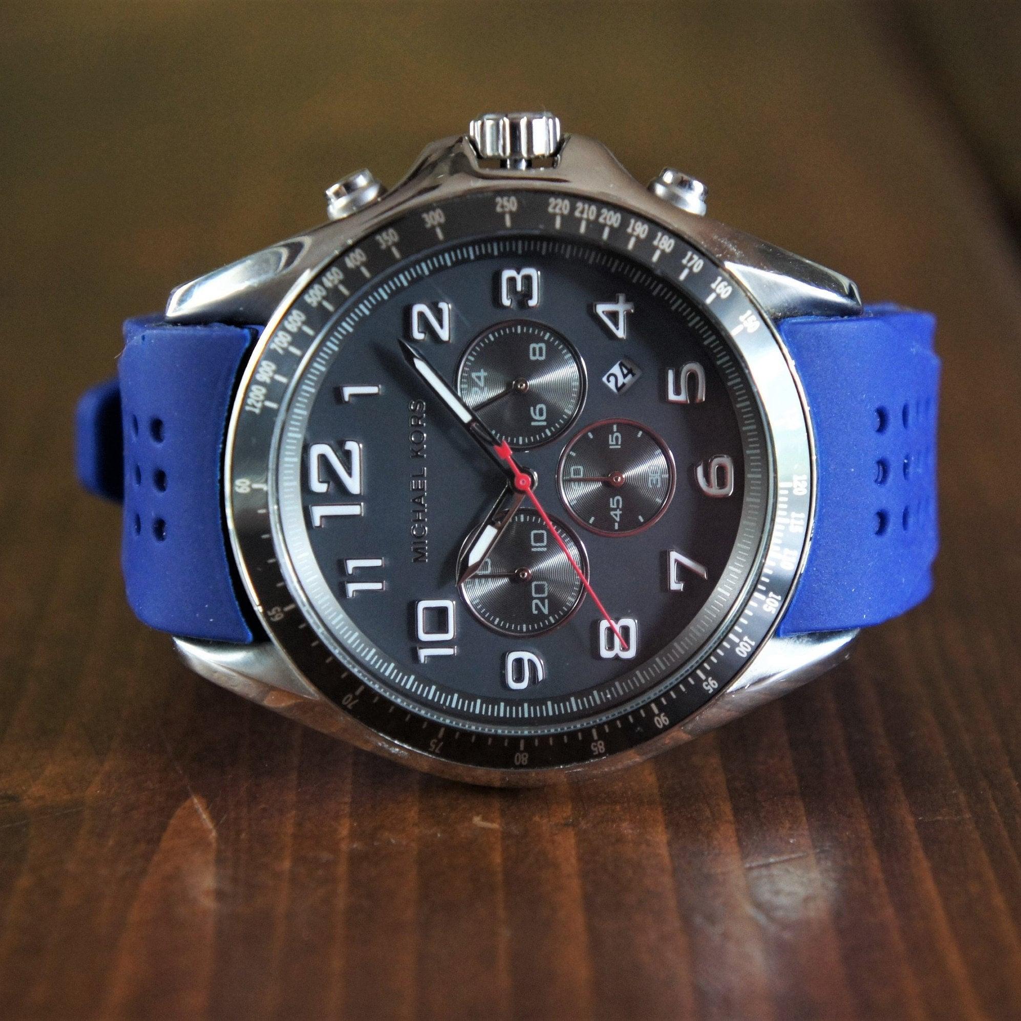 c52b5b16de0e Michael Kors men s fashion watch chronograph diver watch