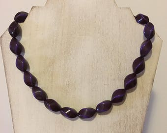 Vintage-Style Purple and Ultra Violet Beaded Necklace (18 inches)