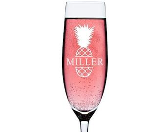Monogram Champagne Flutes, Personalized Champagne Glass, Wedding toasting flutes, Personalized Wedding Gift,Engraved Champagne Glass