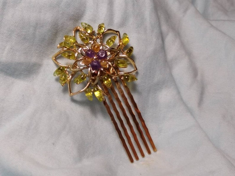 Upcycled Filligree Flower Comb