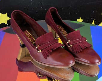 1960s 70s Preppie Shoes 1970s NOS Deadstock Size 10 Brown Leather Loafers Hipster 60s Pumps Loafer Style with Fringed Tassels