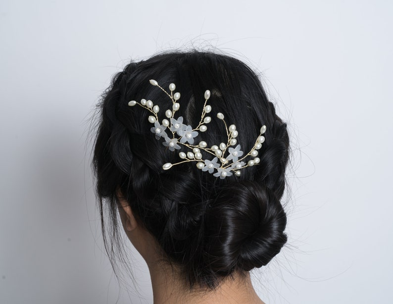 Translucent Floral Hair Pin in gold Bridesmaids hair pins | hair piece Bridesmaids hair decoration hair decoration hair pins