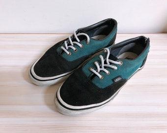 7055a7367b Vintage vans 2-tone shoes style95 vans era made in usa
