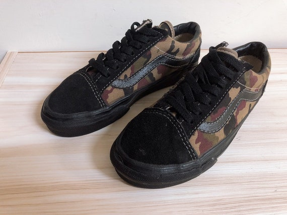 Vintage vans shoes camo print style36 made in usa