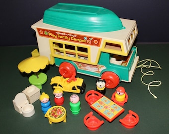 Vintage Fisher Price  #994 Little People  Play Family Camper 1973-1977