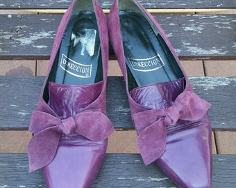f4ac1683fae16 Vintage Leather Flats with Suede Bow, Size 5 Women's Pointy Toe Retro Shoe  by Direccion Made in Spain 80's 90's Loafers Slip Ons