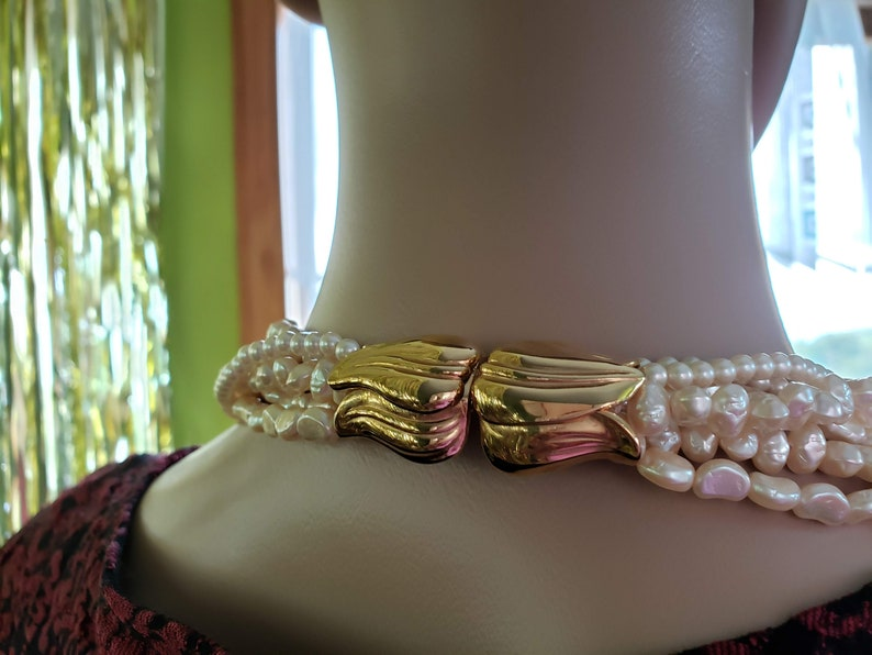 32 inches Beautiful Gold Tone Tulip Flower Clasp Very Fancy Retro Jewelry Multi Strands Vintage Signed Richelieu Faux Pearl Necklace