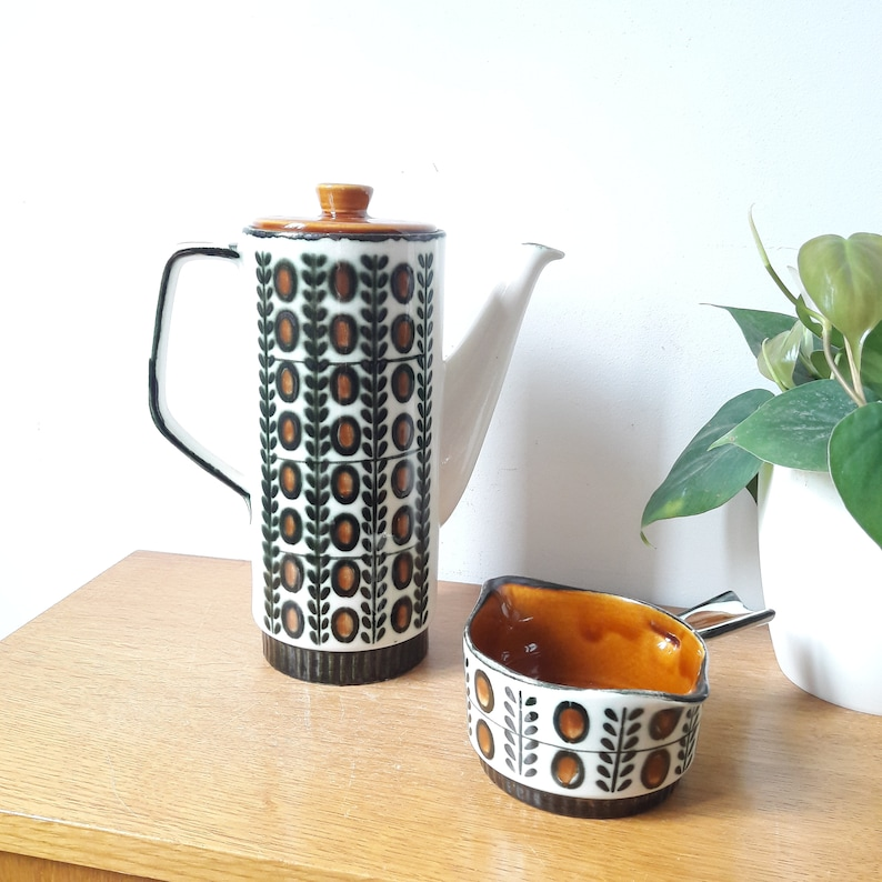 years 60 Villeroy and Boch Belgium vintage coffee maker and milk pot model Walnut hand painted